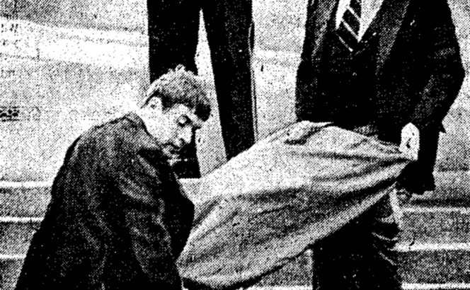 1978.08.19 body of Shirley Hauser being moved by Metro Police