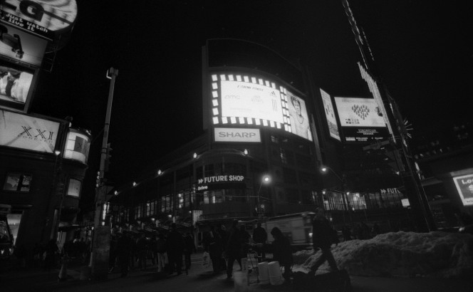 At Yonge and Dundas, December 2007 [Idlewild]