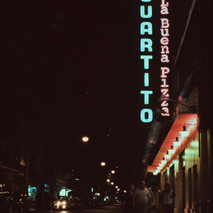 Neon mnemotechny on film, Buenos Aires