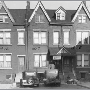 Figure 11. Richard Wallace added 16 Dean St. (north end) by subdividing the back yards of properties he developed on Clara St. (not shown) (City of Toronto Archives, 10 November 1947).